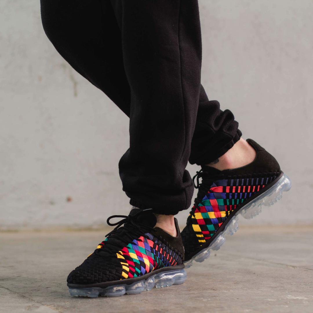 meet deea8 18f20 The Nike Air VaporMax Inneva 'Rainbow' Dropped Today ...