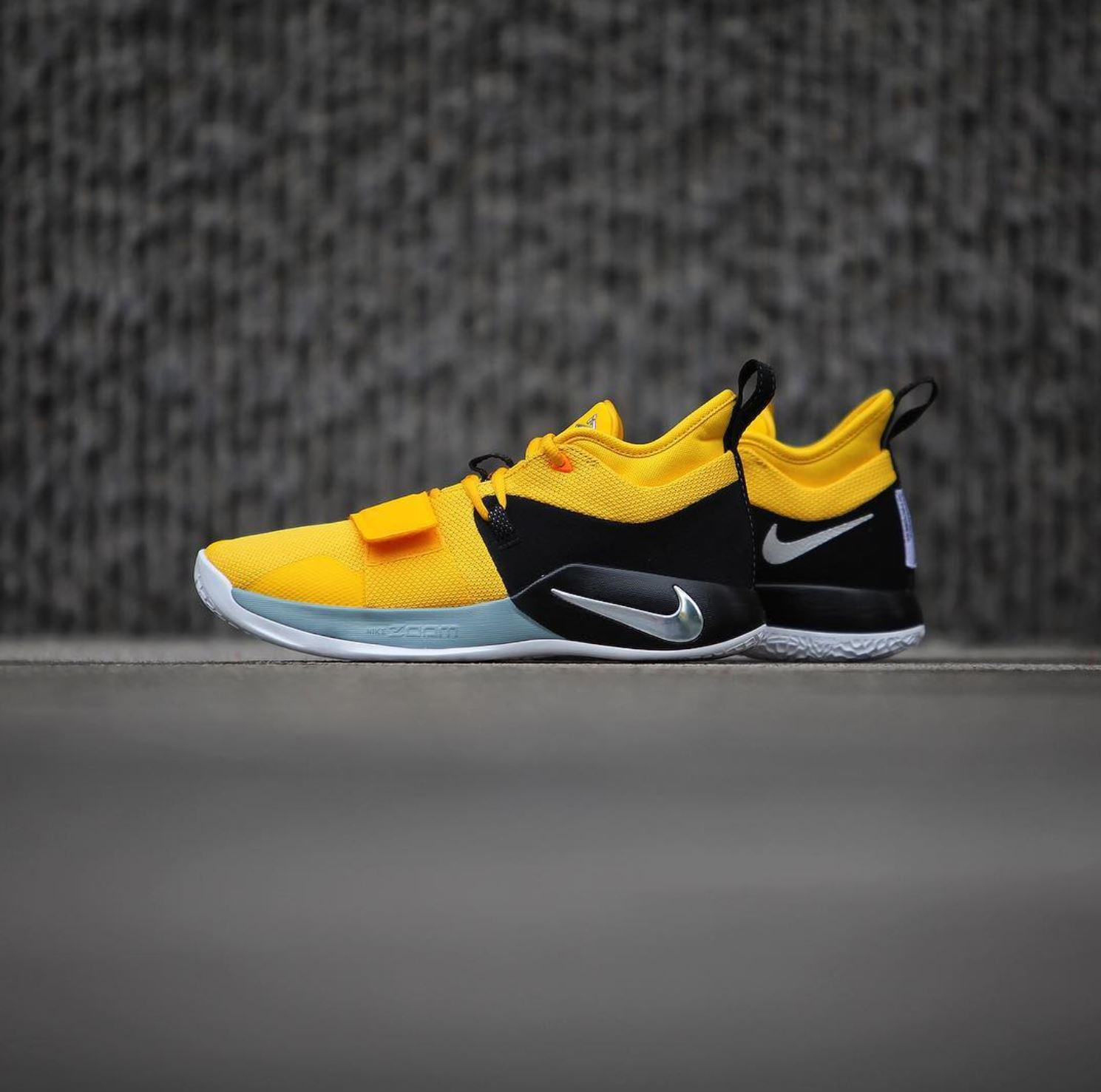 save off cc3e7 a91b6 The Nike PG 2.5 'Moon Exploration' May Celebrate the Second ...