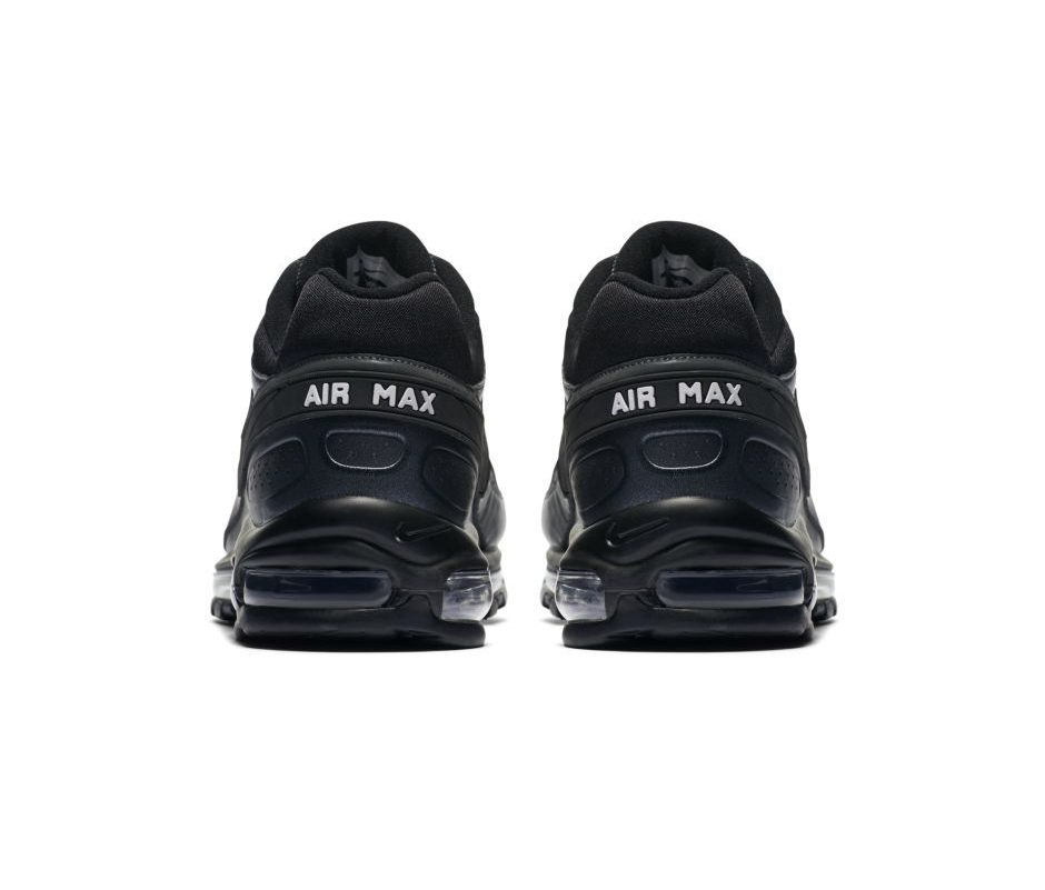 bf27d207920 https://weartesters.com/nike-tech-pack-offers-new-styles-materials ...