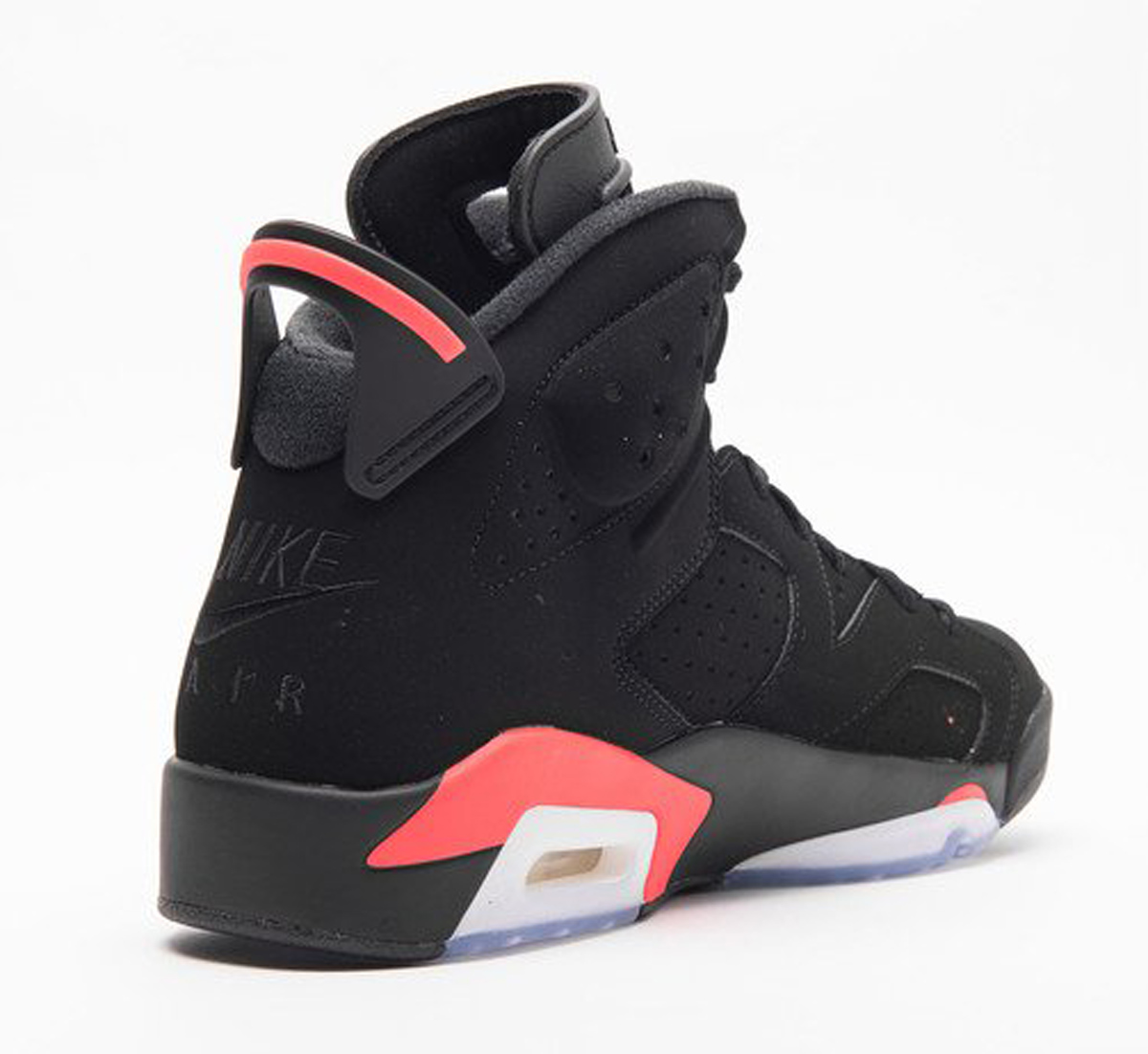 le dernier bef89 c1092 Our Best Look Yet at the Air Jordan 6 'Infrared' for 2019 ...